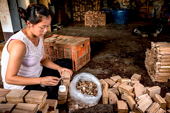 wooden puzzle handmade samanea wooden factory thailand chiang mai
