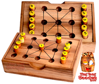 Tic Tac Toe Strategiespiel in Holzbox und 9 Zahlen Mathespiel monkey pod wooden games Thailand